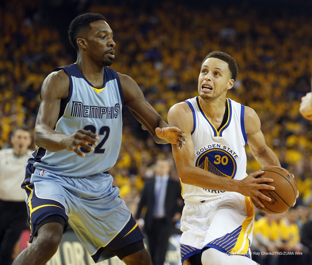 May 5, 2015 - Oakland, CA, USA - The Golden State Warriors' Stephen Curry (30) goes to the hoop against the Memphis Grizzlies' Jeff Green in the first quarter of Game 2 of the Western Conference semifinals at Oracle Arena in Oakland, Calif., on Tuesday, May 5, 2015. (Credit Image: � Ray Chavez/TNS/ZUMA Wire)