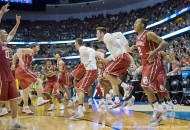 March 26, 2016 - Anaheim, CA, USA - The Oklahoma Sooners begin their celebration after winning the NCAA West Regional Championship over Oregon at the Honda Center in Anaheim on Saturday... ///ADDITIONAL INFO: ncaa.0327 - 3/26/16 - Photo by PAUL RODRIGUEZ - Oregon vs. Oklahoma in the NCAA West Region Championship game at Honda Center. (Credit Image: � Paul Rodriguez/The Orange County Register via ZUMA Wire)