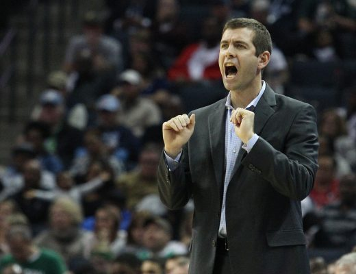 December 17, 2017 - Memphis, TENNESSEE, Estados Unidos - Boston Celtics head coach Brad Stevens communicates with his team at FedExForum in Memphis, Tennessee, USA, 16 December 2017. (Credit Image: © Mike Brown/EFE via ZUMA Press)