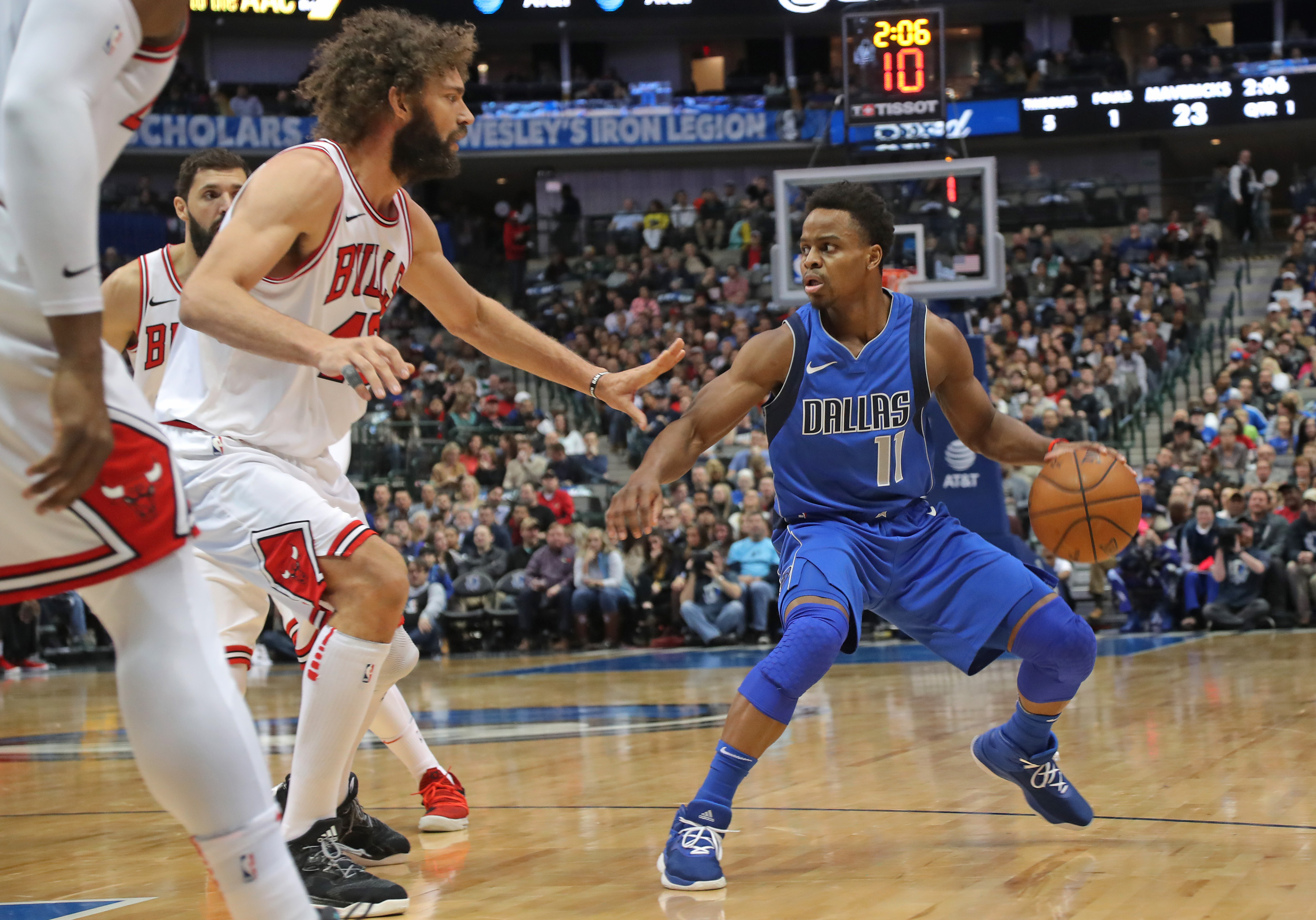 January 5, 2018 - Dallas, TX, USA - The Dallas Mavericks' Yogi Ferrell (11) works to set up a play in the first half against the Chicago Bulls at the American Airlines Center in Dallas on Friday, Jan. 5, 2018. (Credit Image: © Rodger Mallison/TNS via ZUMA Wire)