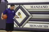 February 28, 2018 - Albuquerque, NEW MEXICO, U.S. - 022818.Manzano High School Boys Basketball Head  Coach Dominick Romero,,cq>  at practice   .  Photographed on Wednesday February  28,  2018. .Adolphe Pierre-Louis/JOURNAL (Credit Image: © Adolphe Pierre-Louis/Albuquerque Journal via ZUMA Wire)
