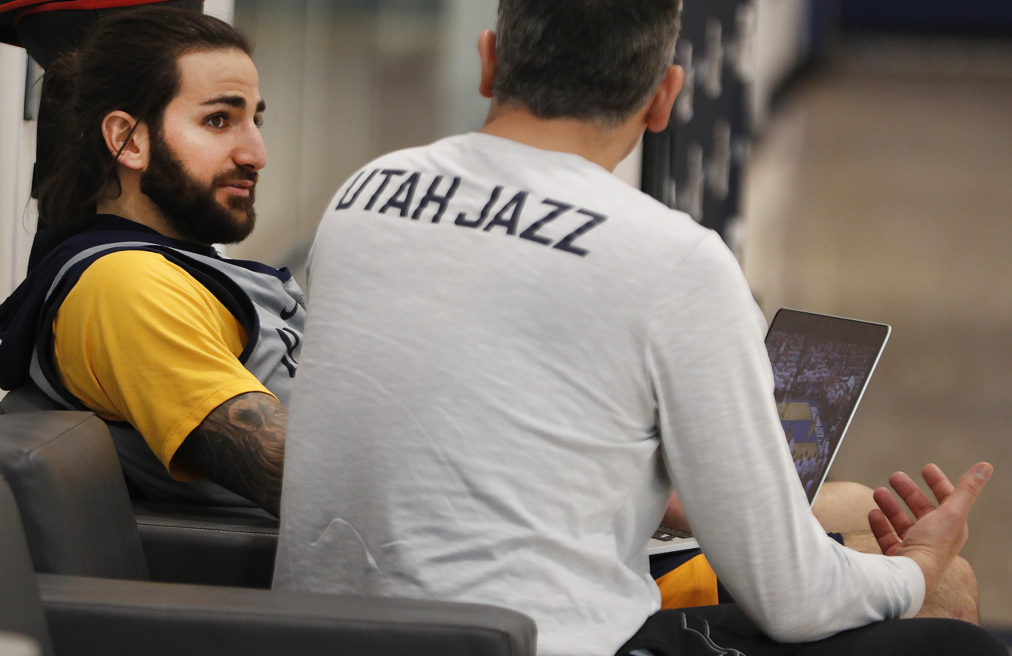 April 20, 2018 - Salt Lake City, UTAH, Estados Unidos - Spanish player Ricky Rubio (L) of the Utah Jazz participates in a training session in Salt Lake City, Utah, where the team will play against the Oklahoma Thunder the playoff third round of the NBA Western Conference, USA, 20 April 2018. (Credit Image: © George Frey/EFE via ZUMA Press)