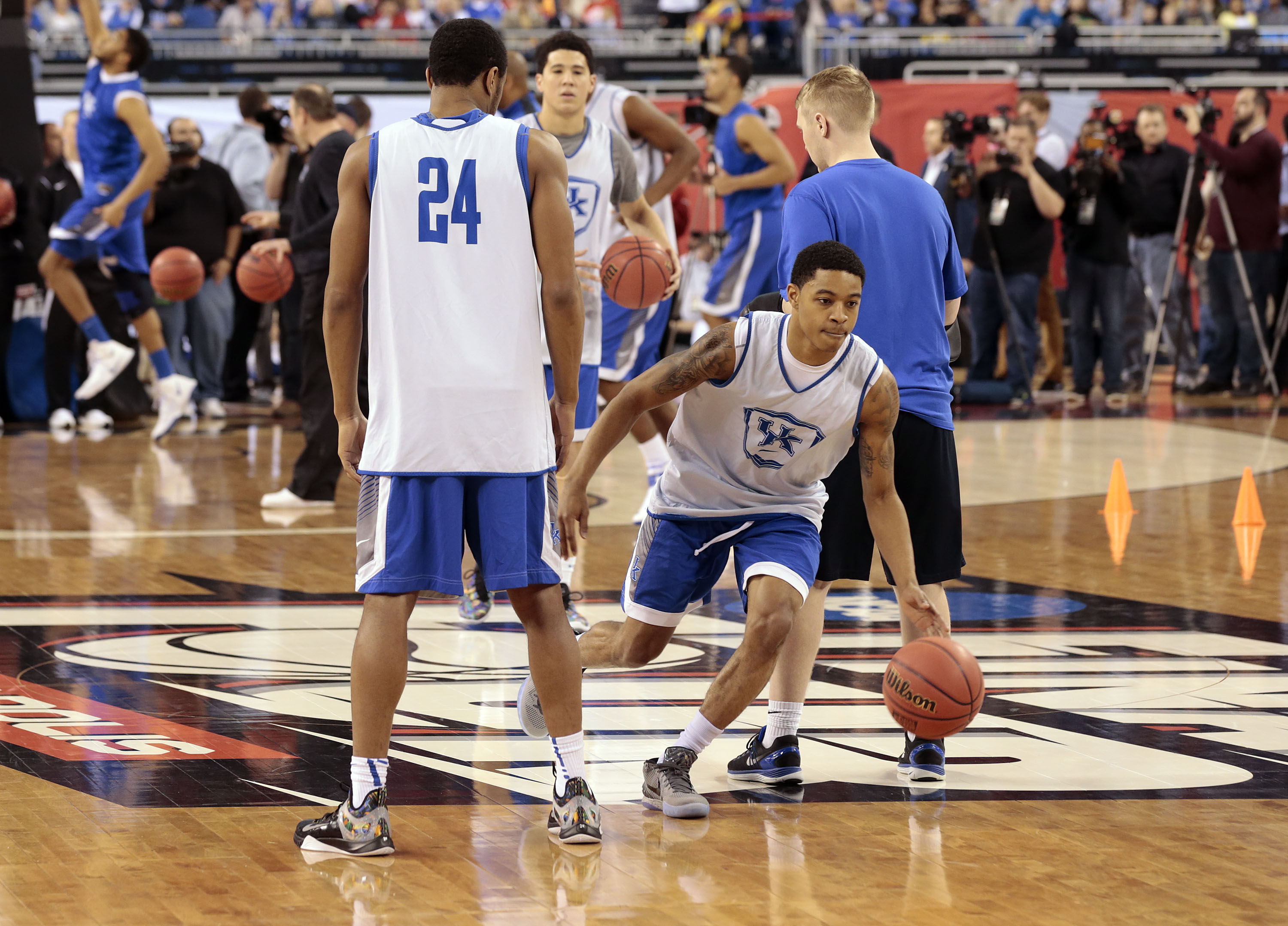 April 3, 2015 - Indianapolis, IN, USA - Kentucky Wildcats guard Devin Booker ran a drill as the University of Kentucky basketball team practiced at Lucas Oil Stadium in Indianapolis, In., Friday, April 03, 2015. UK plays Wisconsin Saturday night in the National semifinals. Photo by Charles Bertram   Staff. (Credit Image: © Lexington Herald-Leader/ZUMA Wire)