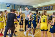 13 July 2018, Berlin, Germany: Kristaps Porzingis (C), power forward of the New York Knicks plays with youth players of the basketball team ALBA Berlin during a joint training session. The Latvian basketball player is currently on an advertising tour in Germany. (Credit Image: © Gregor Fischer/DPA via ZUMA Press)