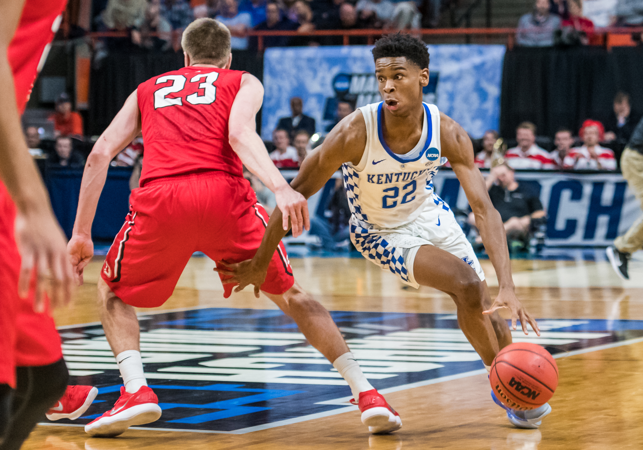 March 15, 2018 - Boise, ID, U.S. - BOISE, ID - MARCH 15:G Shai Gilgeous-Alexander (22) of the Kentucky Wildcats fakes and moves behind F Peyton Aldridge (23) of the Davidson Wildcats during the NCAA Division I Men's Championship First Round game between the Kentucky Wildcats and the Davidson Wildcats on Thursday, March 15, 2018 at the Taco Bell Arena in Boise, Idaho.   (Photo by Douglas Stringer/Icon Sportswire) (Credit Image: © Douglas Stringer/Icon SMI via ZUMA Press)