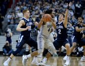 January 17, 2018 - Washington, DC, USA - 2018017 - Villanova guard DONTE DIVINCENZO (10) and Villanova guard COLIN GILLESPIE (2) apply a trap on Georgetown guard JAGAN MOSELY (4) in the first half at Capital One Arena in Washington. (Credit Image: © Chuck Myers/ZUMA Wire)