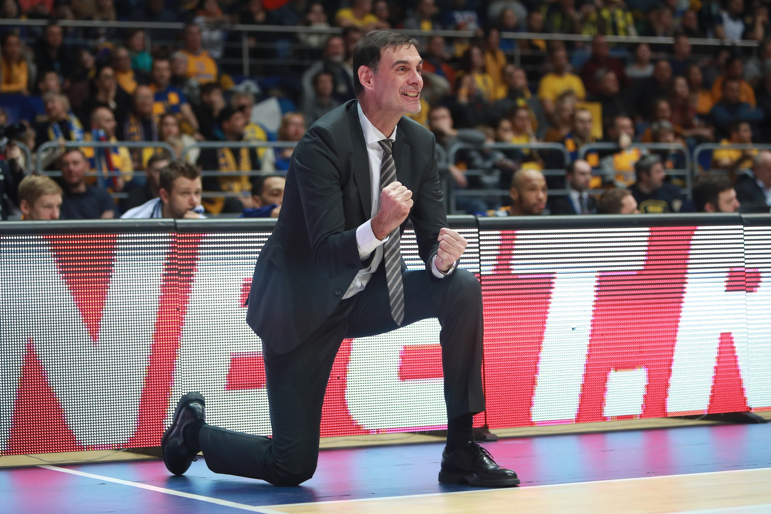 Georgios Bartzokas EuroLeague switching defense